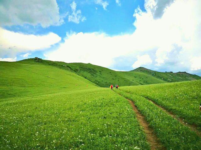 玉石梁徒步穿越一日游